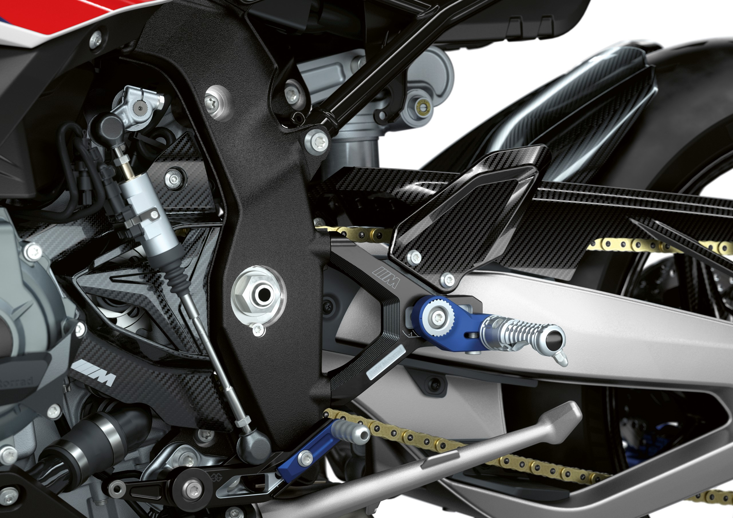 P90400043_highRes_the-new-bmw-m-1000-r