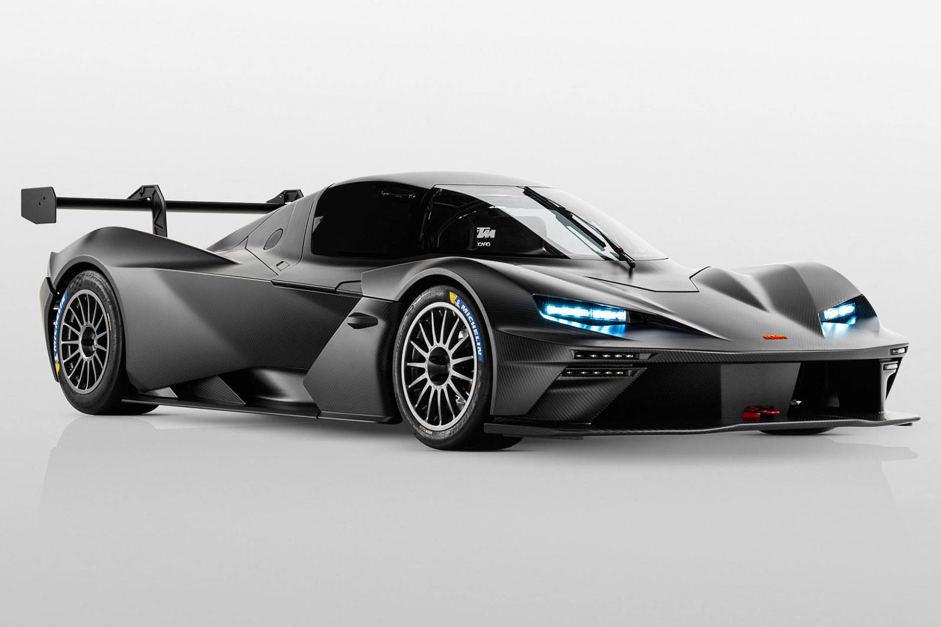 2021-ktm-x-bow-gtx-race-car_100765298_h