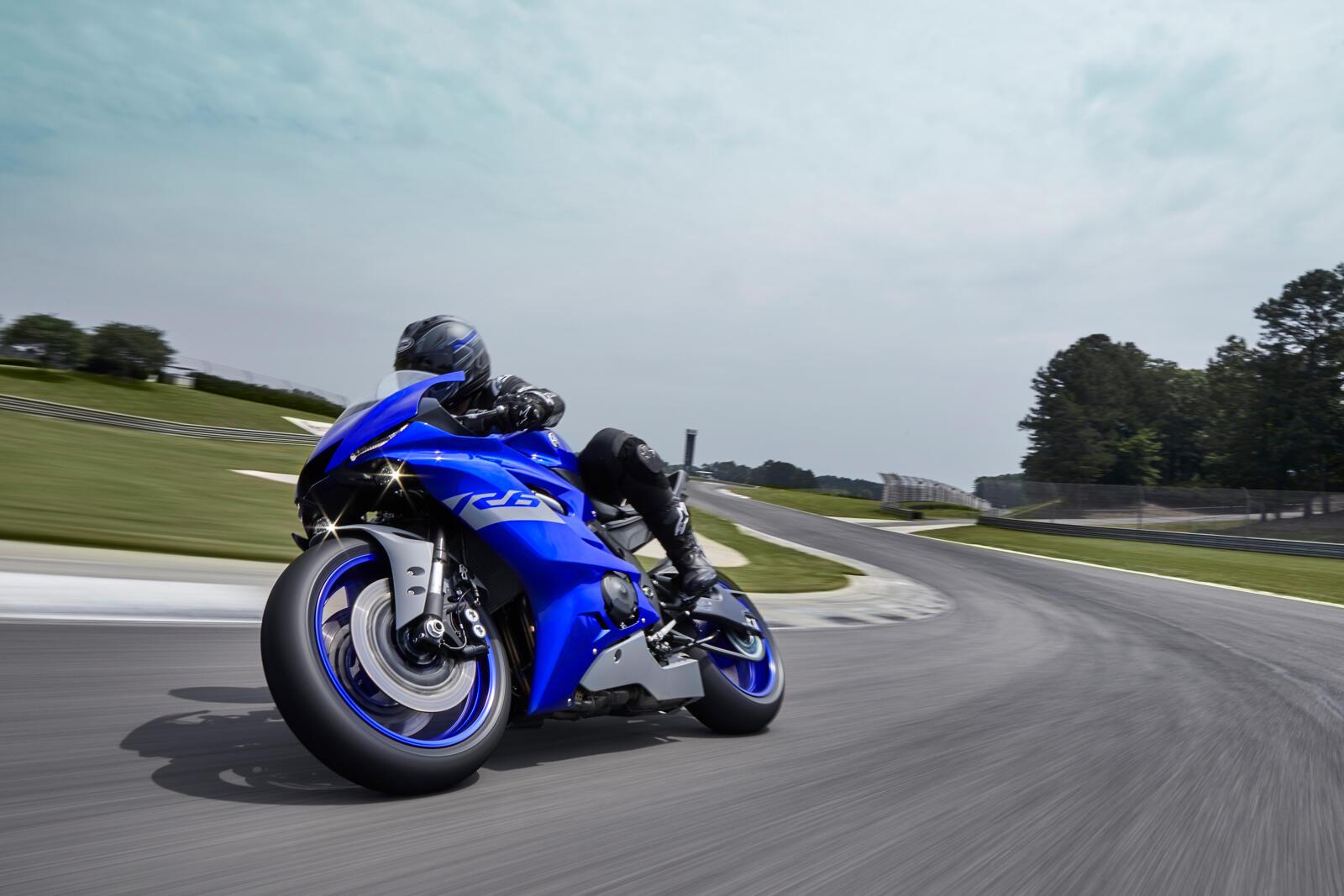 Yamaha-R6-Race-2021-1