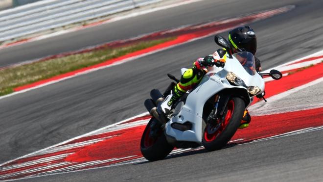 Prova in pista: Ducati 959 Panigale e Michelin Power RS