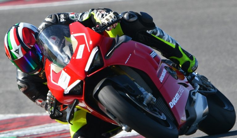 Ducati Panigale V4R: test a Misano