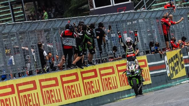 Superbike Imola 2019 Gara-1: vince Rea su Bautista e Razgatlioglu. Davies out