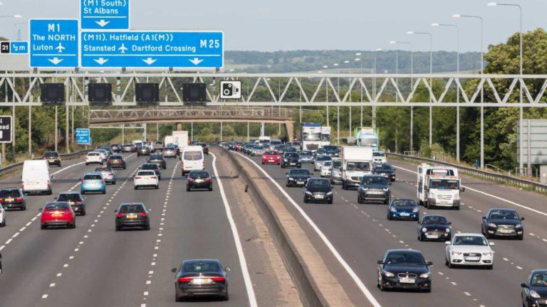 Inghilterra: salgono i limiti di velocità in autostrada nei tratti con lavori