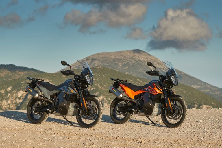 KTM 890 ADVENTURE: la viaggiatrice definitiva.