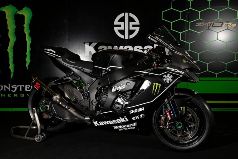 Kawasaki ZX-10RR 2021: le prime foto da Jerez