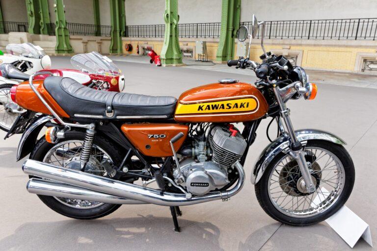 Dieci moto che hanno fatto la storia: Kawasaki 750 H2 Mach IV